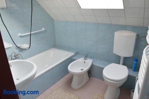Kisherceg Szálláshely - Budapest - Bathroom