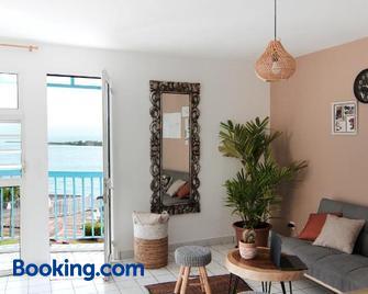 Ocean View and Exclusive Flat Le croisieriste - Pointe-à-Pitre - Living room
