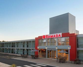 Ramada by Wyndham Milton Keynes - Newport Pagnell - Building