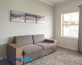 Raptor Rise - Tulbagh - Living room
