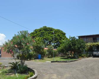 Hostería Casa Grande Pedernales - Pedernales - Vista del exterior