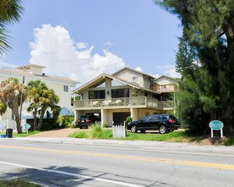 3 Waves From It All By Beachside Management - Siesta Key - Gebouw