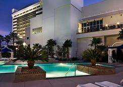 Palace Casino Resort - Biloxi - Pool