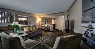 Palace Casino Resort - Biloxi - Living room