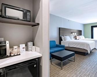 Holiday Inn Express & Suites Kilgore North - Kilgore - Bedroom