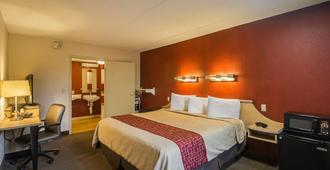 北印弟安納波里斯大學公園紅屋頂酒店 - 印第安那波里 - 印第安納波利斯 - 臥室