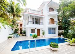 Aguada Anchorage - The Villa Resort - Panaji - Pool