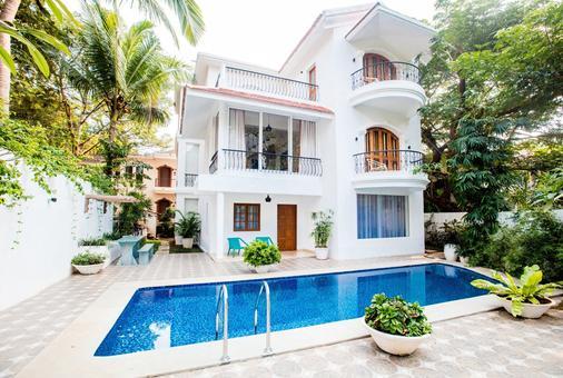 阿瓜達安克奇酒店 - 坎多林 - 帕納吉 - 游泳池