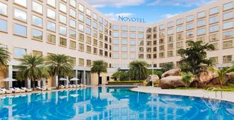 Novotel Hyderabad Convention Centre - Haiderabad - Gebouw