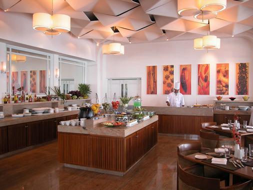 Taj Malabar Resort & Spa, Cochin. - Kochi - Μπουφές