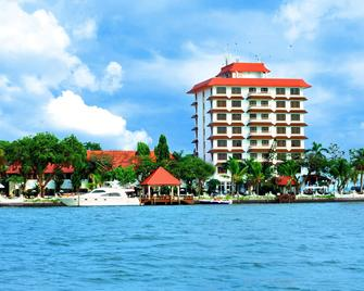 Taj Malabar Resort & Spa, Cochin. - Кочі - Building