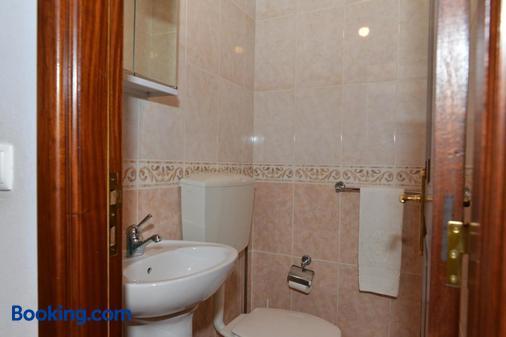 AL Vivenda Romantica Geres - Geres - Bathroom