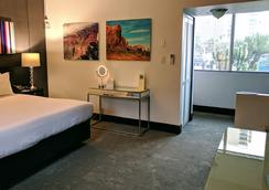 The Clarendon Hotel and Spa by GreenTree - Phoenix - Bedroom
