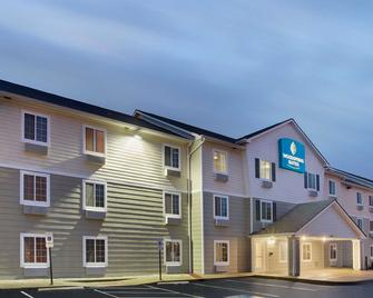 Woodspring Suites Cincinnati Fairfield - Fairfield - Gebäude