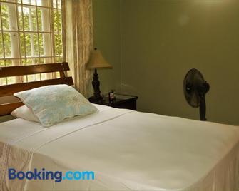 Idilio Rooms - Ocho Rios - Schlafzimmer
