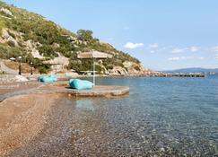 Ramada by Wyndham Loutraki Poseidon Resort - Лутраки - Вид снаружи
