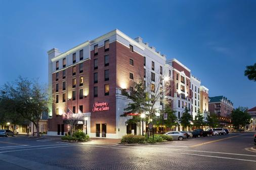 Hampton Inn & Suites Gainesville-Downtown - Gainesville - Building