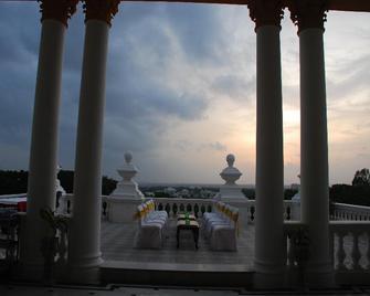 Lalitha Mahal Palace Hotel - Mysore - Balcony