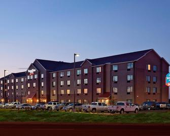 TownePlace Suites by Marriott Garden City - Garden City - Building