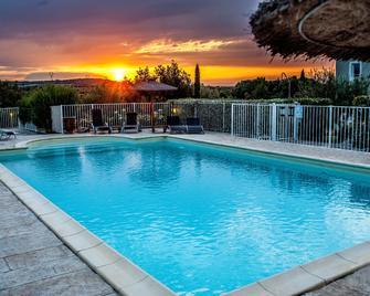 Hotel Restaurant Le Gardon - Pont Du Gard - Collias - Bazén