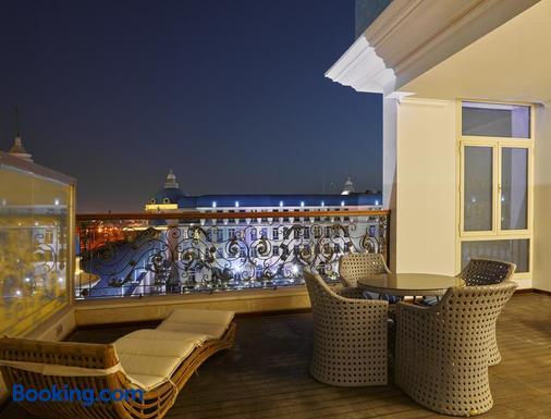 開羅凱賓斯基馬西姆皇宮酒店 - 新開羅市 - 開羅 - 陽台