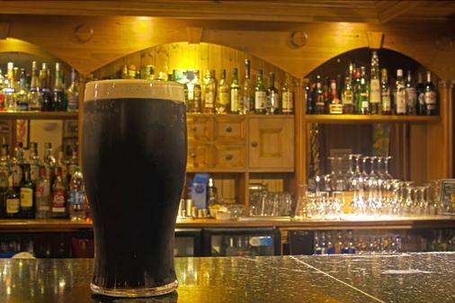 Alcock & Brown Hotel - Clifden - Bar
