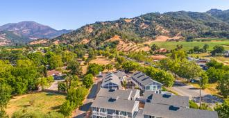 UpValley Inn and Hot Springs Ascend Hotel Collection - Calistoga - Bygning