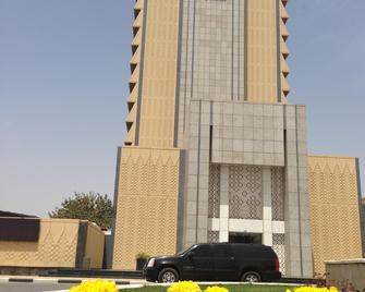 Royal Tulip Al Rasheed Baghdad - Багдад - Building