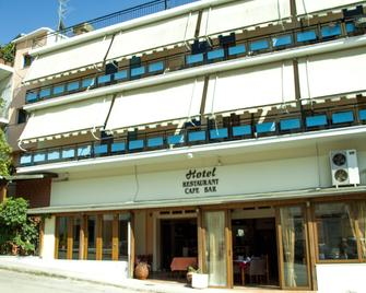 Stavrodromi - Игуменица - Здание