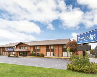 Travelodge by Wyndham Owen Sound - Owen Sound - Building