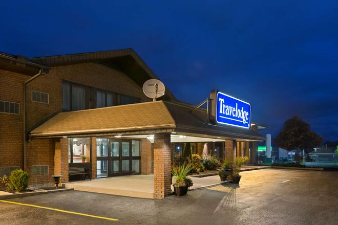 Travelodge by Wyndham Owen Sound - Owen Sound - Building