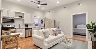 Gallery Stays - Parkside Suite - Savannah - Sala de estar