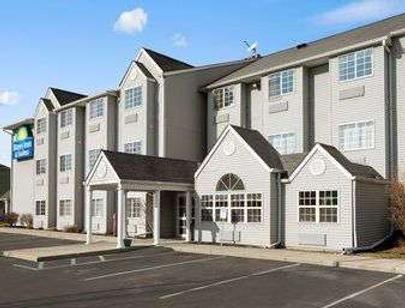 Days Inn & Suites by Wyndham Lafayette IN - Lafayette - Κτίριο