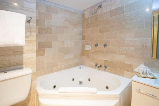 Metro Mirage Hotel Newport - Sydney - Kylpyhuone