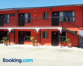 Motel Agora - Ensenada - Building