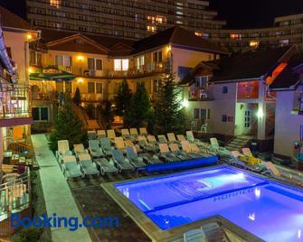 Hotel Monaco - Baile Felix - Building