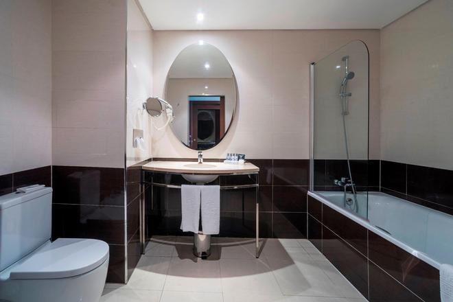 科英布拉風別墅酒店 - 科印布拉 - 科英布拉 - 浴室