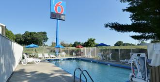 Motel 6 Nashua, Nh - North - Nashua - Pool