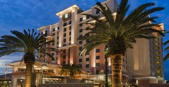 Embassy Suites by Hilton Orlando Lake Buena Vista South - Kissimmee - Edificio