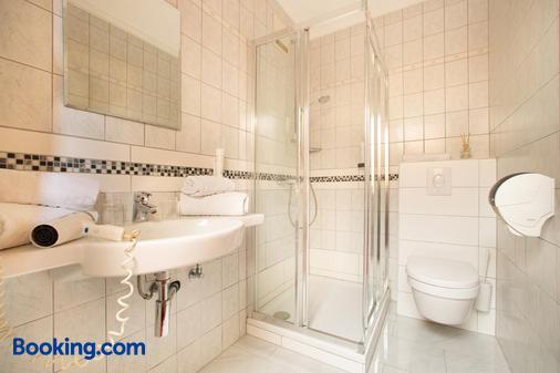 Hotel Restaurant Schachenwald - Unterpremstatten - Bathroom