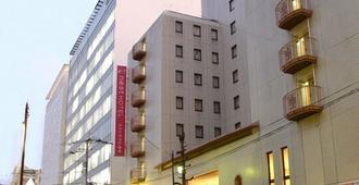 熊本鳥巢飯店 - 熊本 - 建築