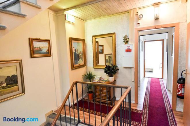 Al Battello - Morcote - Hallway