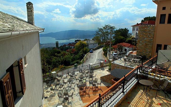 Montagna Verde Hotel - Portaria - Parveke