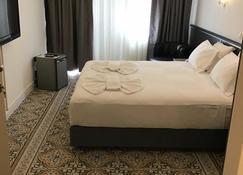 Hotel Balca - Izmir - Bedroom