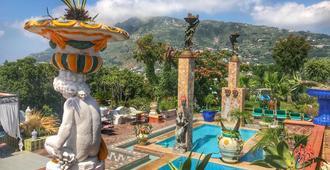 Villa Neptunus - Ischia - Pool