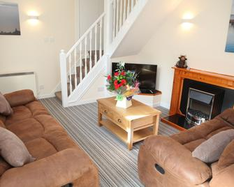 Harbour Cottage - Stromness - Living room