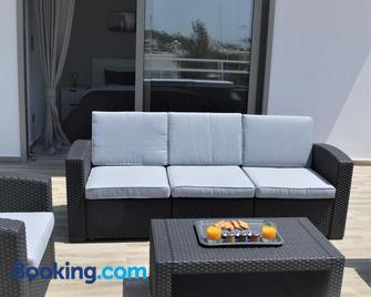 Athens Riviera Loft - Vouliagmeni - Living room