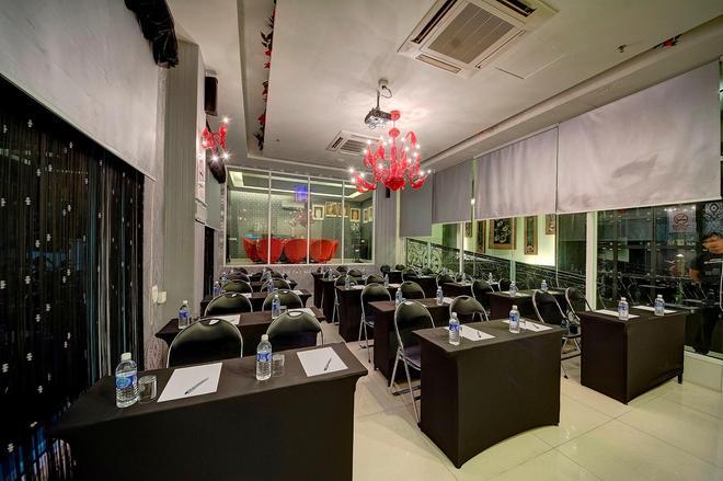 Arenaa Deluxe Boutique Hotel - Malacca - Restaurant