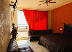 La Perla Playa Azul, beachfront Bungalows, #1 - Playa Azul - Bedroom