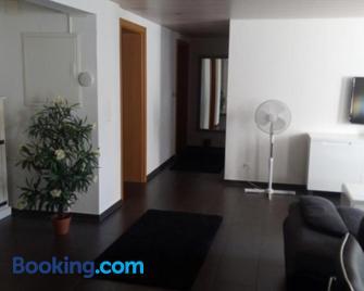 3 Doppelbett Business Apartment am Bodensee - Arbon - Living room